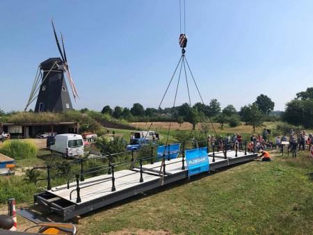 Nieuwe brug bij Vinkelse molen